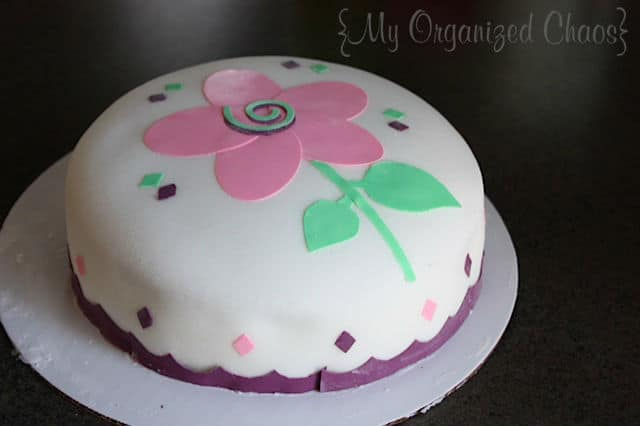 My Cake Decorating Gr Facebook : Cake Decorating with Wilton - My Organized Chaos