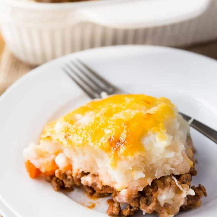 Sloppy Joe Shepherd's Pie - comfort meals, especially on cold days like it's been this past week..now kicked up a notch with this recipe. Sloppy Joe style!