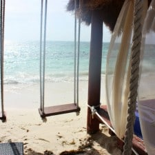 Beach_swings