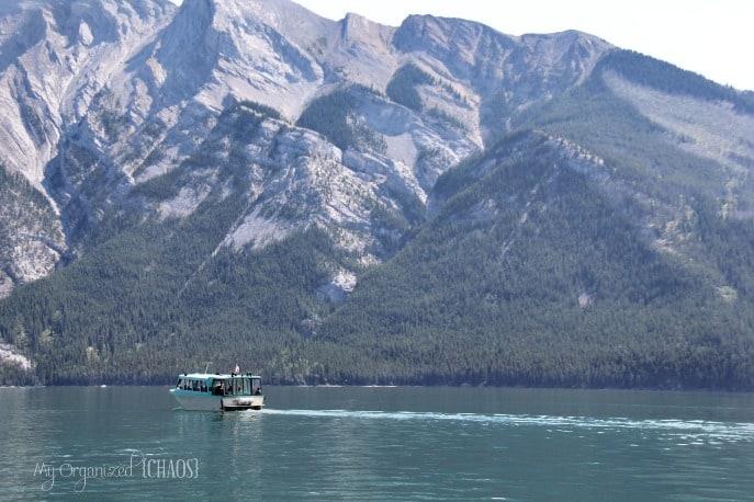 boat-cruise-lake-minnewanka-travel-myorganizedchaos