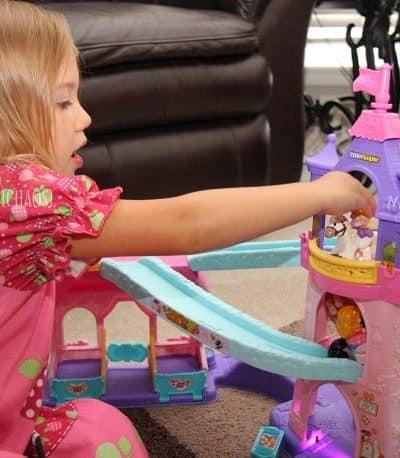 It's a Winner: Little People Disney Princess Klip Klop Stable