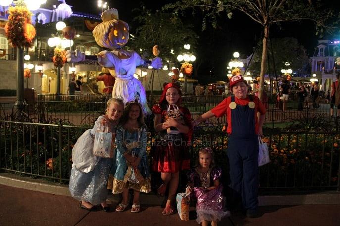mickeys not so scary halloween party disneyhaunt myorganizedchaos