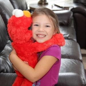 Sesame Street Big Hugs Elmo – Hot Toy for 2013!