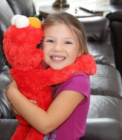 Sesame Street Big Hugs Elmo – Hot Toy for 2013!