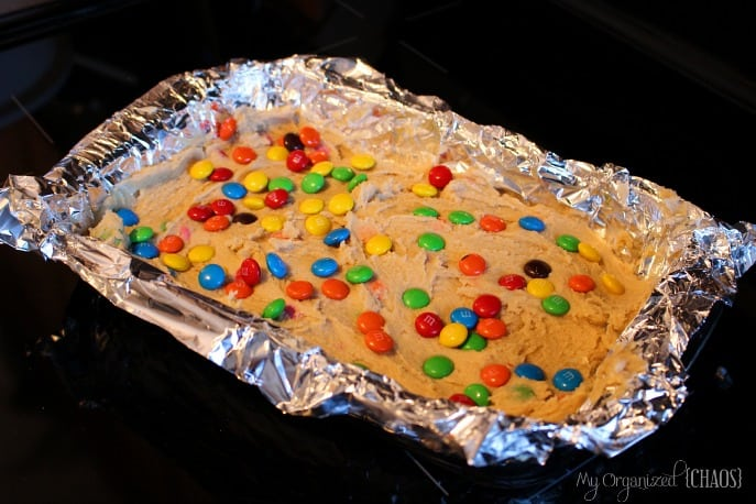 cookieeggchange-recipe-M&M-cookie-bars