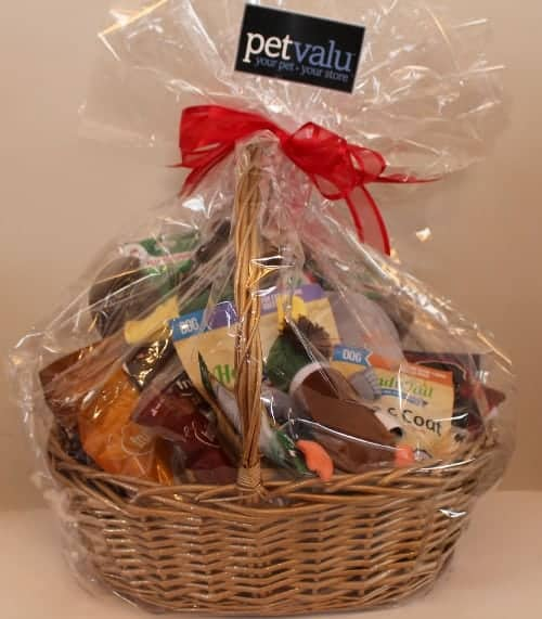 pet-valu-giveaway-holiday-gifts