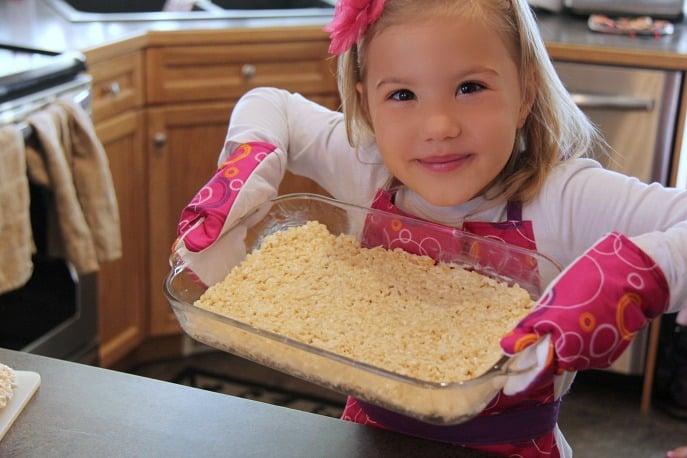 rice-krispies-holiday-baking-treatsfortoys-myorganizedchaos