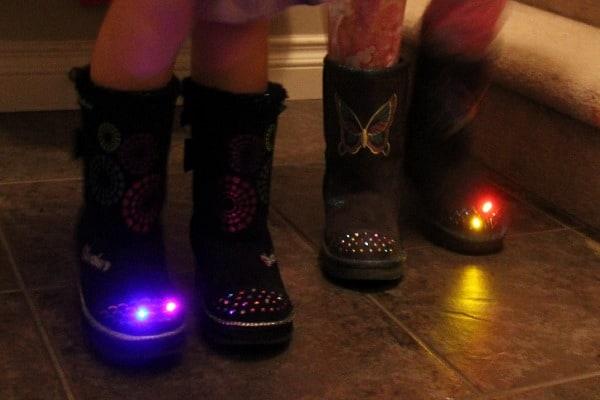 twinkle-toe-boots-skechers