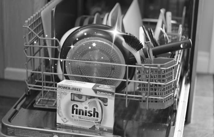 Yes, I added sparkles to this photo for effect. Clean dishes {that I didn't have to wash by hand} deserve a little extra flare.