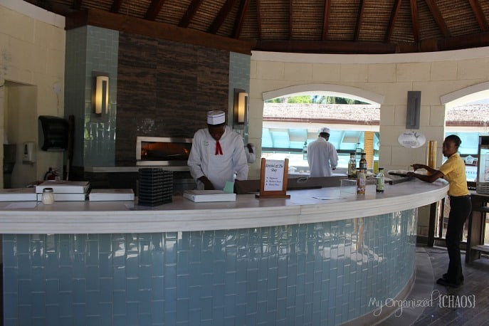dinos-pizza-beaches-negril-review