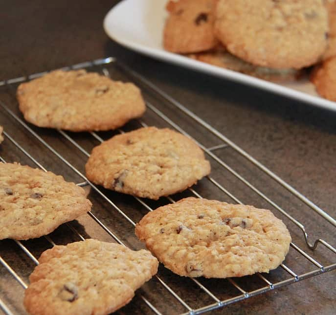 Oatmeal-Raisin-Cookies-recipe-2