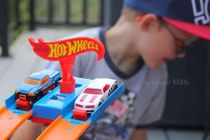 Hot-Wheels-Track-Builder-Challenge-canada-blogger