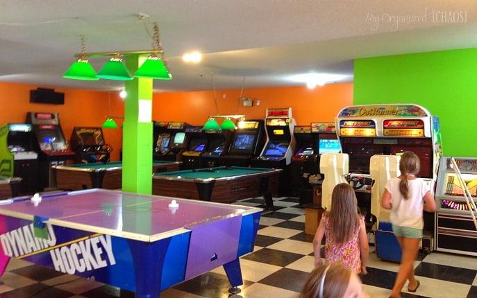 pine-lake-leisure-club-arcade-parkbridge-alberta