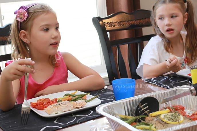 family-dinner-mychaos
