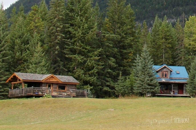 Nipika-Mountain-Resort-log-cabin-canada