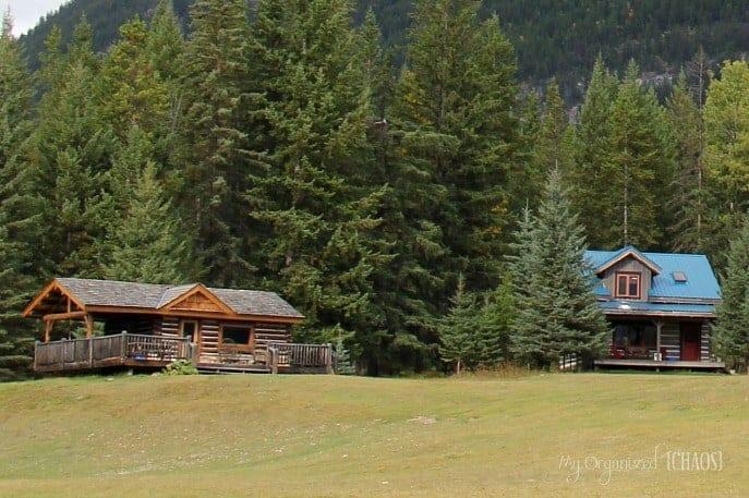Nipika-Mountain-Resort-log-cabin-canada