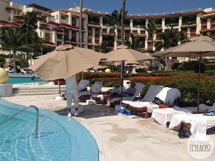 Grand Velas Riviera Nayarit pool service