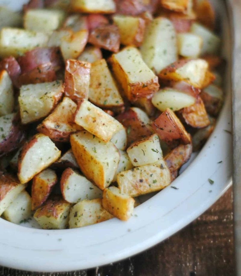 Oven Roasted Red Potatoes is a classic recipe and a favourite in your rotation, and a regular on your dinner table. For the everyday to the holiday.
