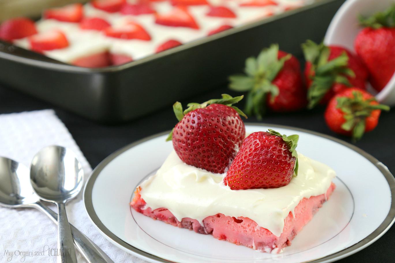 strawberries and cream cake cream cheese frosting