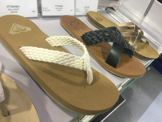 the shoe company roxy sandals spring