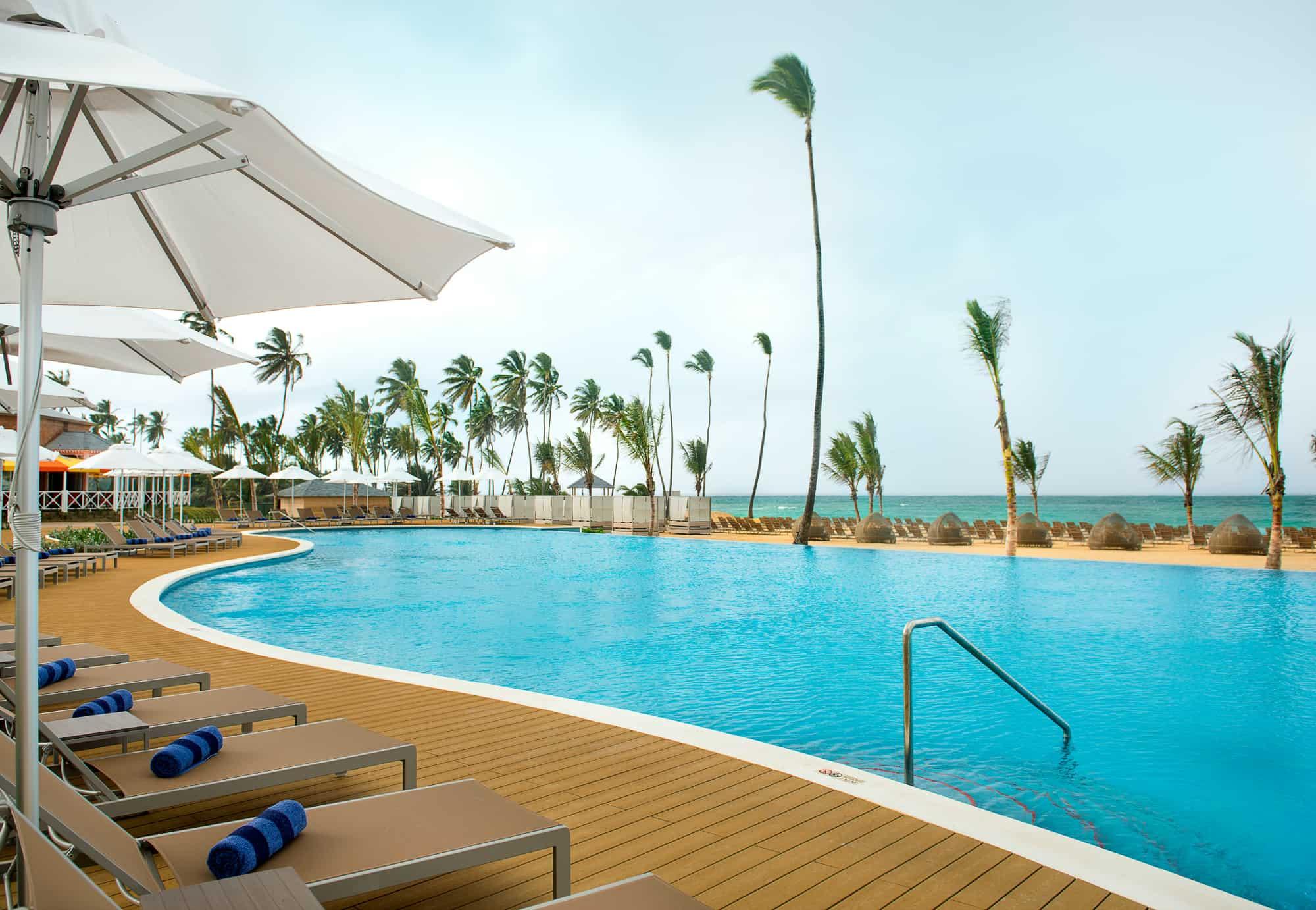 Nickelodeon Hotels & Resorts Punta Cana pool