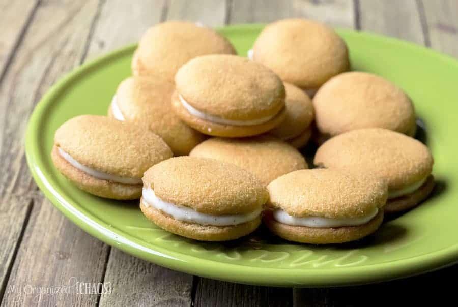 pumpkin-pie-spice-cheesecake-sandwich-cookies-recipe