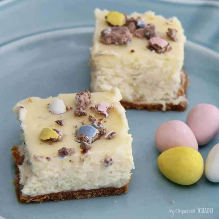 Mini Egg Cheesecake Bites are a perfect cheesecake recipe - the colours are fresh like spring, and the candy and vanilla cheesecake taste is amazing.