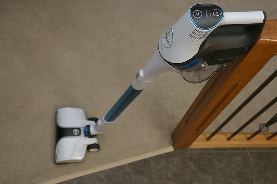 Hoover REACT Cordless Stick Vacuum Review
