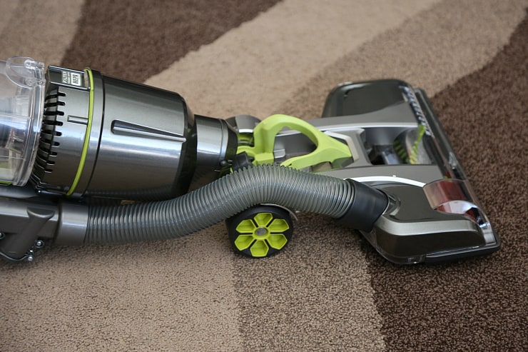Air Steerable Pet Bagless Vacuum