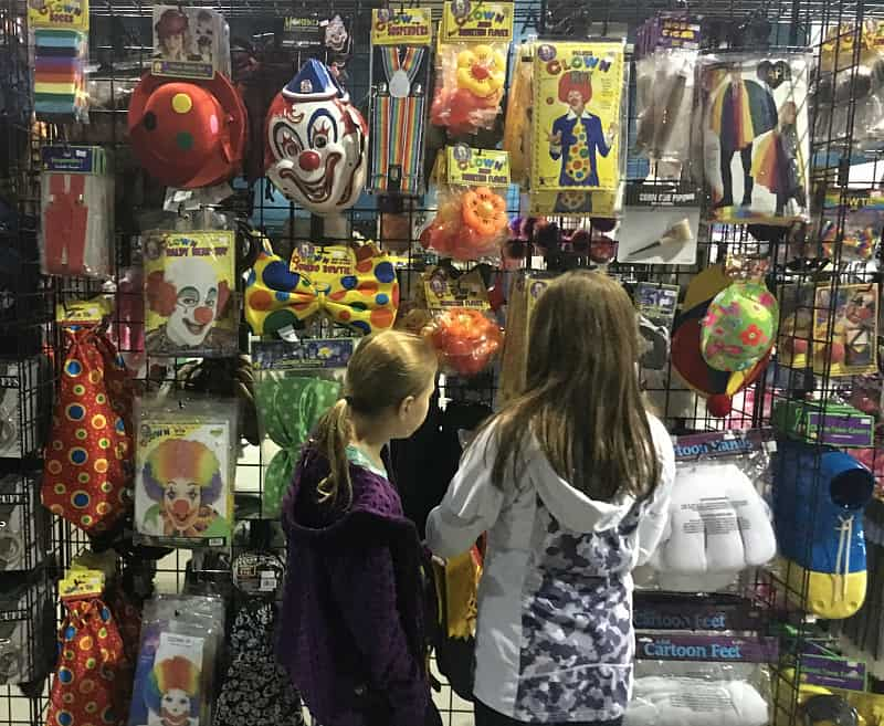 Halloween Alley Accessories